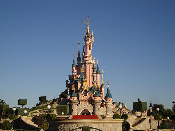 Disneyland paris top fun places in paris for kids for Places to swim in paris