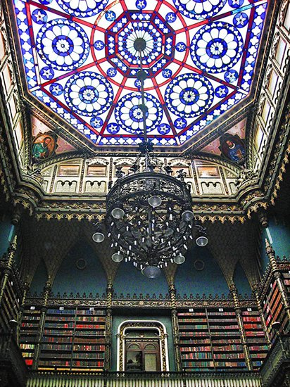 Real Gabinete Português de Leitura – Royal Portuguese Reading Room | Photo by: Daniel Schwabe - Flickr
