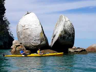 split_apple_rock_abel_tasman_thumb
