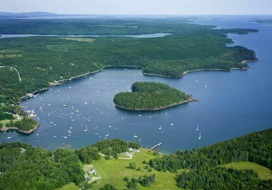 Heart-shaped Harbor Island - USA