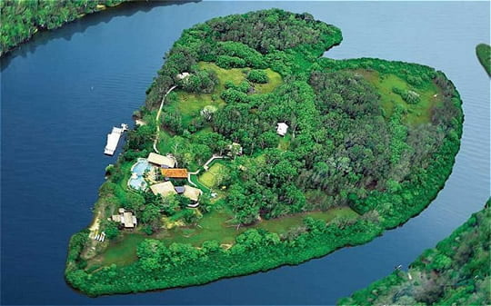 Heart-shaped Makepeace Island